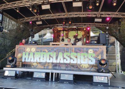 Podiumwagen verhuur dancefeest Hardclassics